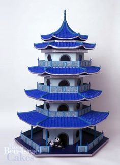 Pagoda-style wedding cake from the USA's premiere couture confectioner Ron Ben-Israel. #WeddingCake #Wedding #cake