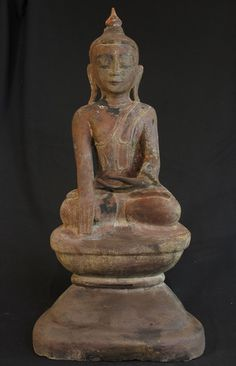Antique Buddha statue [Material: lacquer] [70 cm high] [Early 19th century] [Ava style] [Bhumisparsha Mudra] [Originating from Burma]