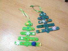 Новогодние игрушки на ёлку из палочек от мороженого - Раннее развитие - Babyblog.ru Lolly Stick Craft, Craft Stick Crafts, Winter Craft, Popsicle Sticks, Popsicles, Holiday, Christmas, Candles, Kids