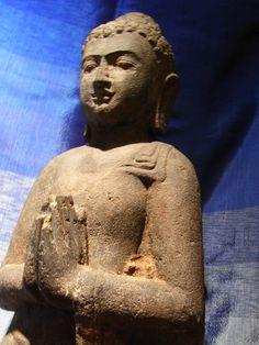 119 cm Buddha aus Lavaguss kg 75 € Buddha, Bronze, Statue, Art, Art Background, Kunst, Performing Arts, Sculptures, Sculpture