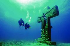Diving in Isla Mujeres, Mexico.
