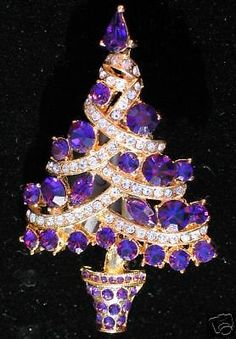 GORGEOUS PURPLE Rhinestone Christmas Tree Pin Brooch on eBay! Jeweled Christmas Trees, Purple Christmas Tree, Vintage Christmas, Christmas Glitter, Xmas Tree, Purple Jewelry, I Love Jewelry, Vintage Brooches, Vintage Rhinestone
