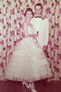 1956 Prom Picture - (great drapes in background) Vintage Vibes, Retro Vintage, Formal Dance, Prom Pictures, The Good Old Days, Fashion Photo, Vintage Photos, Homecoming, Special Occasion