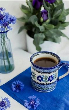 Blue Coffee Cups, Coffee Set, Coffee Love, Coffee Break, Tea Cups, Café Chocolate, Good Morning Coffee, Morning Msg, Polish Pottery