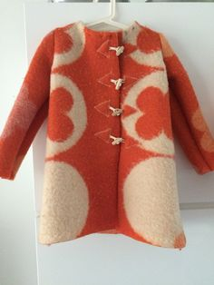 Girls jacket, blanketcoat made of a vintage wool blanket red offwhite, size  116 door MORETHANVINTAGENL op Etsy