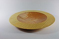 Teller: Esche, 40 x 4 cm, Rand gebürstet und vergoldet (Blattgold 22 Karat) / Preis: 600,00 €