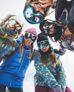 "peaksnowboarding: "" My guess is these ladies could out shred a couple of us 😉 👈🏂: Kimmy Fasani 👇🏂: 👇🏂: Tavia Bonetti 👉🏂: Hailey 👆🏂: Chloe Kim 📷🏂: . Snow Pictures, Bff Pictures, Mode Au Ski, Snowboarding Women, Snowboarding Outfit, Ski Season, Best Friend Pictures, Winter Pictures, Ski And Snowboard"