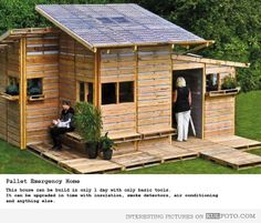 Pallet emergency house - Interesting house built from pallets in 1 day in case of emergency.
