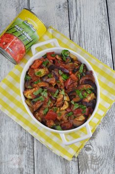 Briam, ghiveci de legume grecesc - CAIETUL CU RETETE Briam, Mango Avocado Salsa, 2000 Calories, Tasty, Yummy Food, Raw Vegan Recipes, Vegetable Recipes, Feta, Healthy Life