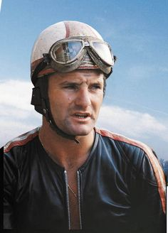 Mike Hailwood Another great NZ'er.  Killed on the road - not the track...