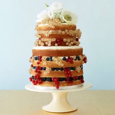 Natural sweetnerThis rustic-style confection focuses on the cake. Unfrosted layers are often sandwiched with buttercream frosting and topped with fresh flowers or sugared fruits, like berries. Cake by Alice's Tea Cup in New York City Amazing Wedding Cakes, Unique Wedding Cakes, Wedding Cake Designs, Amazing Cakes, Rustic Wedding, Wedding Ideas, Cupcakes, Cupcake Cakes, Cupcake Ideas