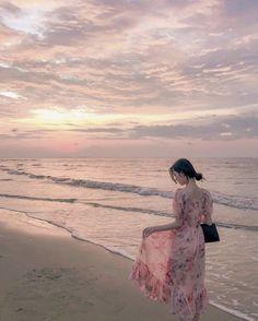 Mode Ulzzang, Ulzzang Korean Girl, Korean Beauty Girls, Korean Girl Fashion, Girl Beach Pictures, Girl Photos, Kim Na Hee, Beach Poses, Uzzlang Girl