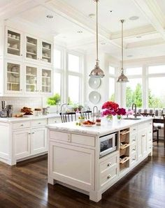 Gorgeous light kitchen and window seat