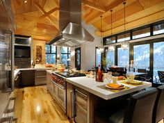 can you imagine cooking a big family meal all day looking out at the amazing snowy mountains