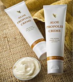 Who but Forever Living Products could produce a moisturizer as unique as Aloe Propolis Creme? Combining our world leadership in Aloe Vera and beehive products, Aloe Propolis Creme is one of our most popular skin care products. Forever Aloe, Forever Living Aloe Vera, Aloe Vera Skin Care, Aloe Vera Gel, Bee Propolis, Psoriasis Diet, Forever Living Products, Skin So Soft, Skin Treatments