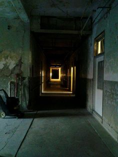 Pin for Later: 50 States of Scary: The Most Terrifying Haunted Houses You MUST Visit in America Kentucky