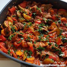 Soczysty filet z kurczaka a'la kebab - Mocne Kalorie Kielbasa, Beef Steak, Ratatouille, Wok, Paella, Beef Recipes, Stew, Seafood, Curry