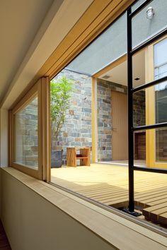 建築家:安河内 健司/西岡 久実「ミドリノイエ -屋上に庭のある家-」
