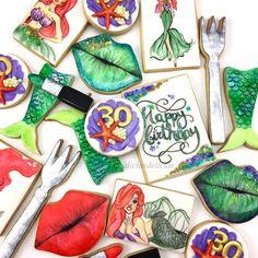 A very Happy Birthday to my dear cousin @jackie_baby415! Celebrating her #dirty30 mermaid style!💄💚💋. #sugarcookies by #AliciasDelicias #mermaid #fanart #ariel #dinglehopper #galletas #galletasdecoradas #lips #birthdaycookies #handpainted #cookies