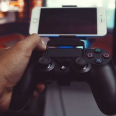 Download on https://cults3d.com 3D printed iPhone 6/s & 6/s Plus Grip with Dualshock 4, 3Dsolio