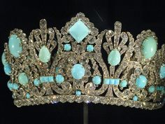 Tiara at the National Museum of Natural History belonging to Marie Antoinette's  great niece Empress Marie Louise.