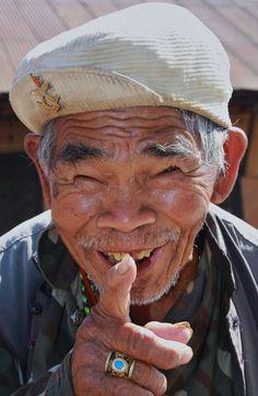 Le rire aux éclats est la dernière ressource de la rage et du désespoir. Victor…
