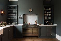 deVOL's Bloomsbury WC1 Kitchen is painted in 'Flint'