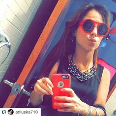 Happy happy customer @aniuska710 hermosa con su babero con piedras en tornasol  #Repost @aniuska710 with @repostapp  Oh la la #latepost  #happycustomer #customer #happy #necklace #beauty #byou #becomplete