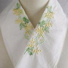 ペタコの販売中作品一覧   ハンドメイド通販・販売のCreema Yukata, Clothing Patterns, Hand Embroidery, Diy And Crafts, Kimono, Cute, Creema, Clothes, Ribbons