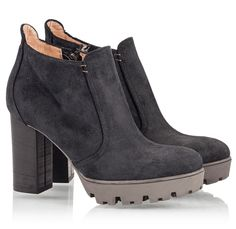 Logan Shoes - 6903 Grig Nero- High block heel ankle boots with platform in blue suede leather upper and very comfortable form.