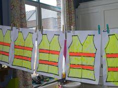 fluo-hesje schilderen voor bij het thema verkeer- pin gemaakt door Lieve L.