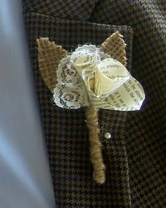 Boutonniere made of paper