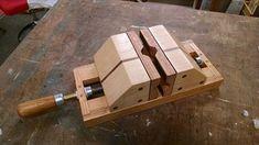 TOM SILKETT SR. Maple Valley Washington furadeira Vises são feitas de maple e Black Walnut. Estriado e Plugged. Belas peças! Certifique-se de enviar seu projeto, se você tem um. It doesn&#8217…