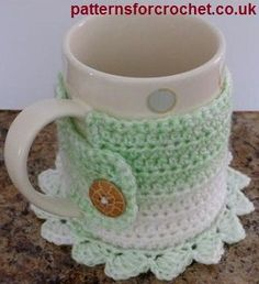 Coaster mug cosy free crochet pattern from http://www.patternsforcrochet.co.uk/coaster-mug-cosy-usa.html #freecrochetpatterns #patternsforcrochet