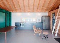 JRKVC's lakeside house makes the most of a small plot