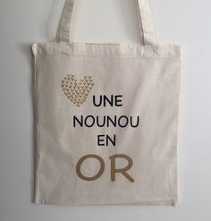 Tote Bag nounou en or : Autres sacs par happymax Sac Tods, Tods Bag, Silhouette Portrait, Silhouette Cameo, Tote Bag Maitresse, Scan And Cut, Creative Gifts, Reusable Tote Bags, Messages
