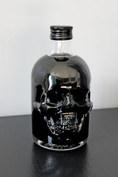 #glass #black #skull @CO DE + / F_ORM