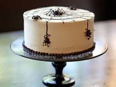 the queen of halloween: May 2014-make the spiders and webs with Magic Shell-