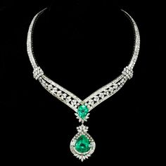 Elizabeth Taylor Masterpiece Colombian Emerald and Diamond Necklace she personally designed by Bulgari - Sale! Shop at Stylizio for womens and mens designer handbags luxury sunglasses watches jewelry purses wallets clothes underwear Emerald Necklace, Emerald Jewelry, Diamond Pendant Necklace, Diamond Jewelry, Emerald Diamond, Diamond Necklaces, Emerald Rings, Necklace Set, Bulgari Jewelry