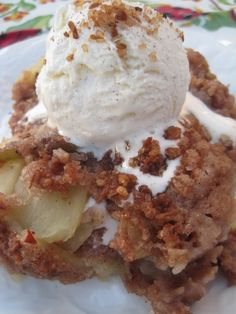 Pampered chef apple crisp recipe made with yellow cake mix!! I have forgotten how much I love this recipe. So yummy!!!