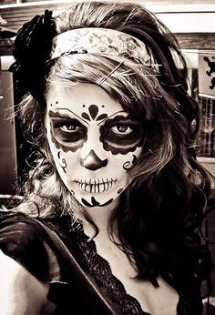 dia de los muertos makeup. For halloween/day of the dead. Hopefully Rachel can help me with something like this one