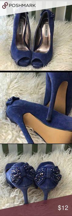 Steve Madden heels Steve Madden Blue suede heels with adorable rhinestoned bow at back heel. EUC size 6.5 Steve Madden Shoes Heels