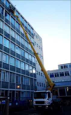 The T330 being use by window cleaning company Contract Cleaners.
