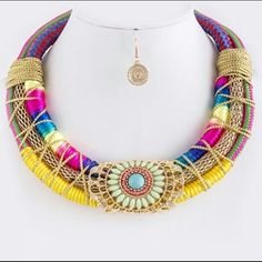 Retro necklace and earring set New Urban Outfitters Jewelry Necklaces