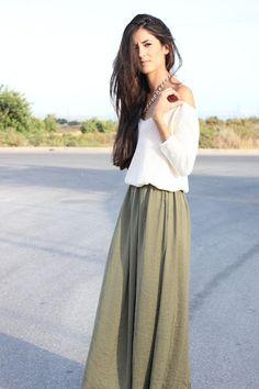 Mamá, me quedo aquí: Maxi skirt  http://mamamequedoaqui.blogspot.com.es/2012/07/maxi-skirt.html