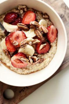 Ihana kvinoapuuro Quinoa Porridge, Fodmap, Hummus, Smoothies, Dairy Free, Oatmeal, Vegan Recipes, Healthy Eating, Vegetarian