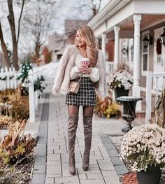 48 Lovely Winter Date Night Outfits Ideas Winter Date Night Outfits, Date Outfits, Girly Outfits, Simple Outfits, Stylish Outfits, Fashion Outfits, Ootd Fashion, Cute Christmas Pajamas, Cute Christmas Outfits