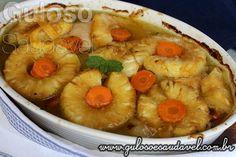O #almoço é este delicioso Peito de Frango Assado com Abacaxi nutre, é levemente agridoce, prático, fácil e saudável!  #Receita aqui: http://www.gulosoesaudavel.com.br/2015/09/30/peito-frango-abacaxi/