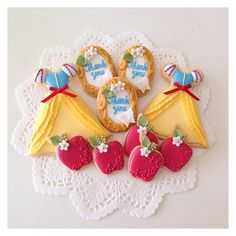 snowwhite inspired sugar cookies