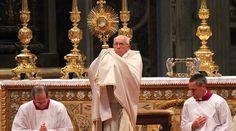 El Papa Francisco reflexionó sobre la Solemnidad del Santísimo Cuerpo y la Sangre de Cristo, el Corpus Christi, que se celebra hoy en muchos países, en sus palabras previas al rezo del Ángelus.